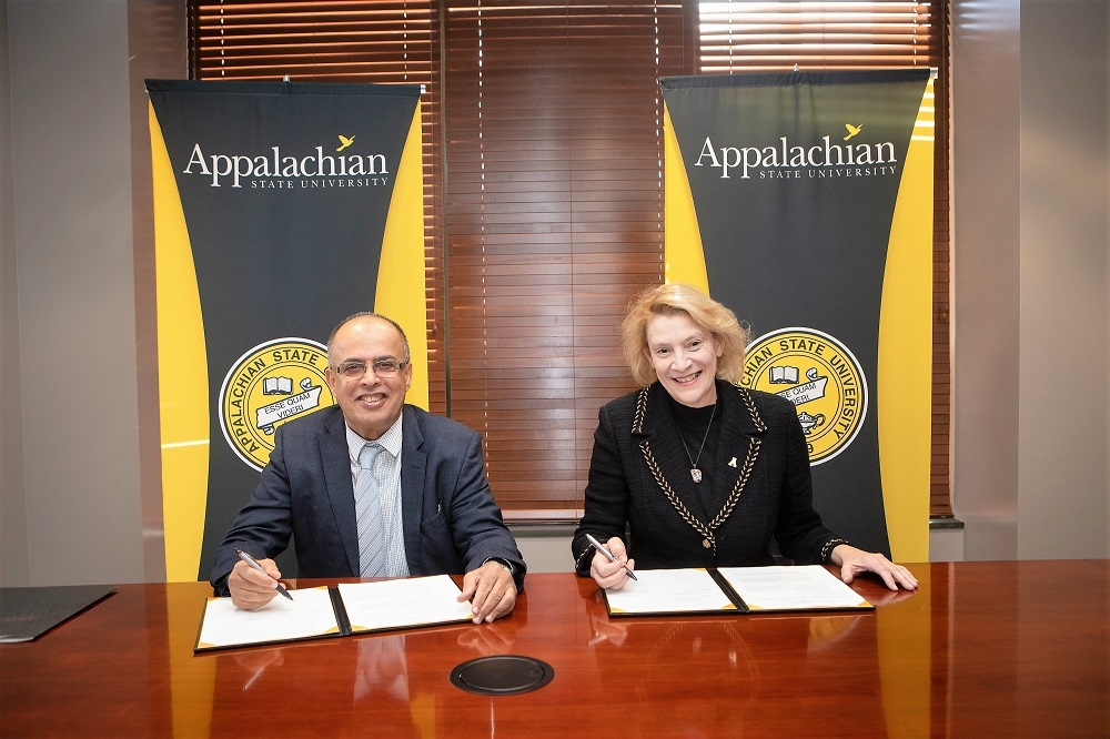 AURAK Signs Extra Cooperation Agreement with Appalachian State University