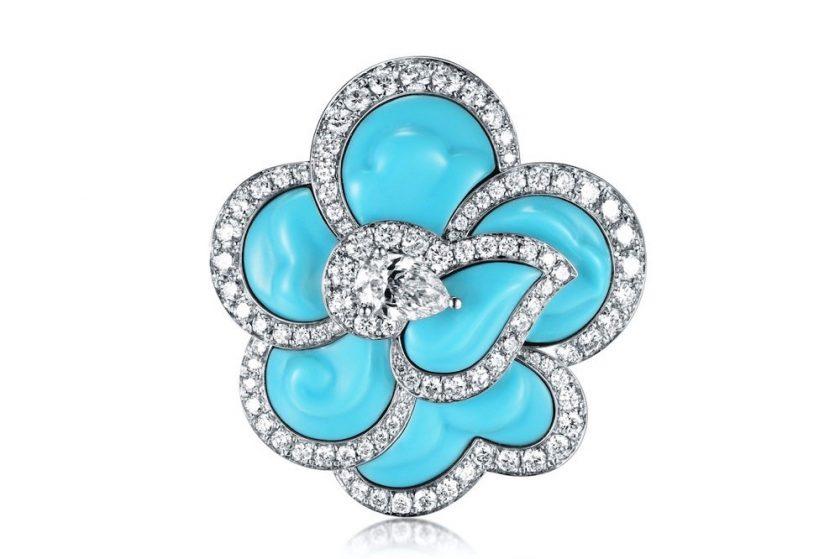 """دار """"فابرجيه"""" تُسلّط الضوء على مُصمّم المجوهرات James Ganh"""