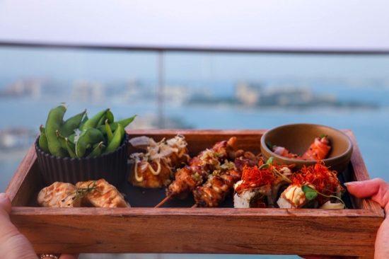 مطعم هانامي يطلق عرض الساعة السعيدة من إطلالته البانورامية