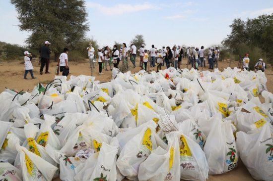 """مجموعة عمل الإمارات للبيئة تختتم الدورة الـ 19 لحملة """"نظفوا الإمارات"""""""