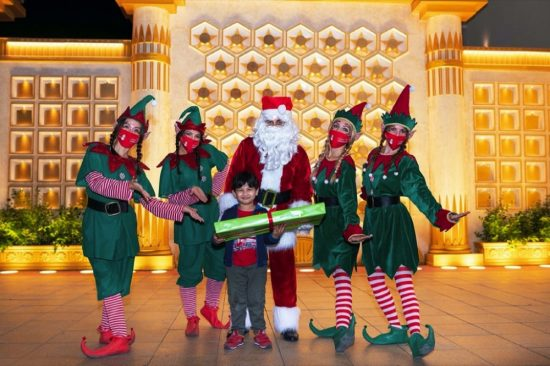 Santa surprises 25 children with wishes