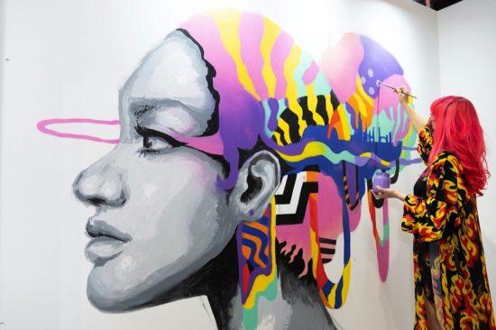 معرض فنون العالم دبي 2021 يعود بمنظور فني جديد