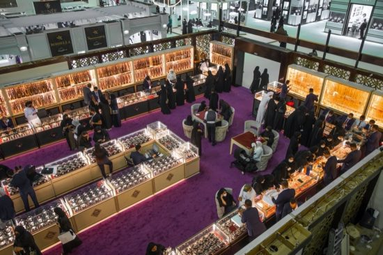 'Jewels of Emirates' Show attracts high turnout of visitors enjoying