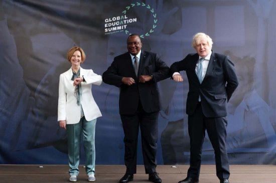 القمة العالمية للتعليم في لندن تجمع 4 مليارات دولار أمريكي لصالح الشراكة العالمية