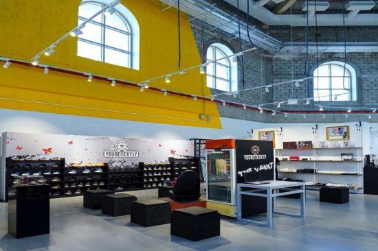 """""""متجر ذات"""" يتعاون مع """"يو بيتر فلاي"""" لتقديم تجربة تسوق فريدة للأحذية الرياضية"""