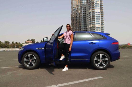 اختيار نجمة سباق السيارات السعودية دانية عقيل كأول اسم في مبادرة الأبطال الحقيقيين من رد تاغ