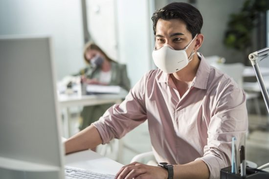 LG'S UPGRADED PURICARE WEARABLE AIR PURIFIER COMING TO THE UAE